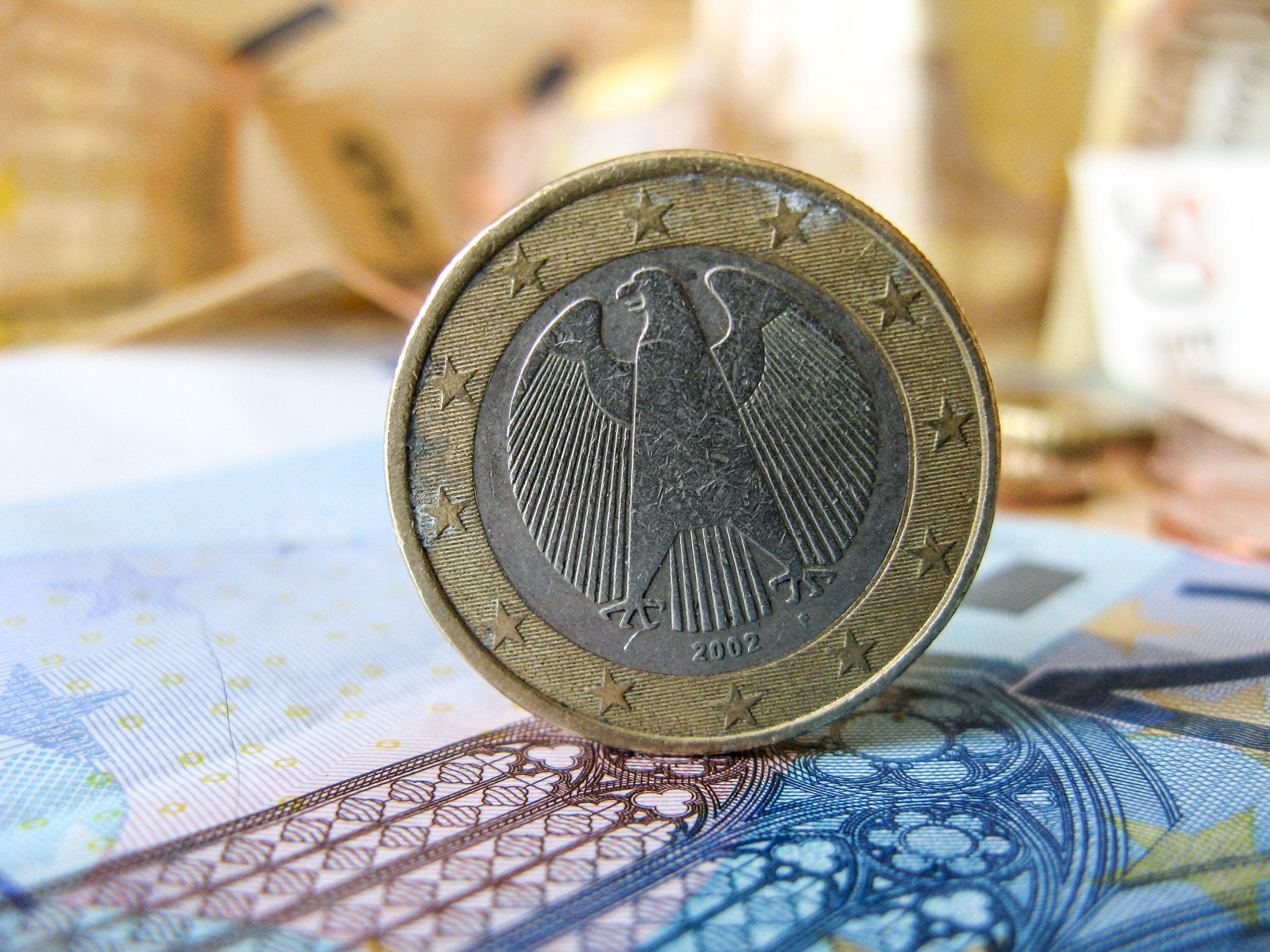 Lietuva papildė obligacijų emisiją, investuotojai norėjo paskolinti 7 kartus daugiau