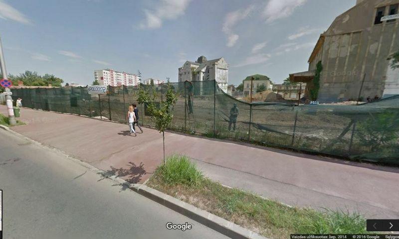 """Buvusios alaus daryklos """"Grivita"""" teritorija Bukarešte. """"Google Maps"""" vaizdai 2014 m."""