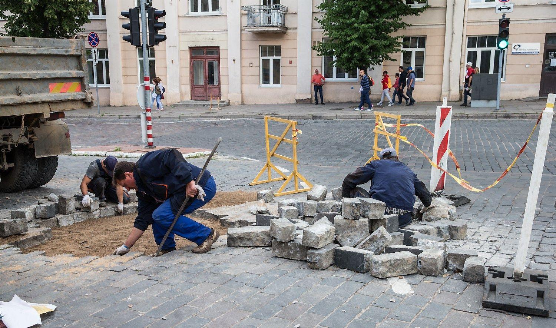 Vilniaus Senamiestyjelaukia eismo sutrikimai: iki spalio numatomidujotiekio darbai