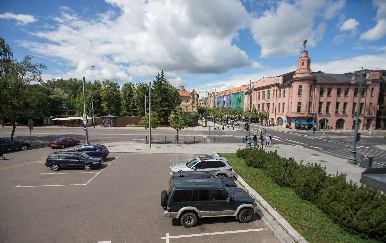 Pirmasis �Hilton� Vilniuje: Gedimino prospekte i�kils �Garden Inn�