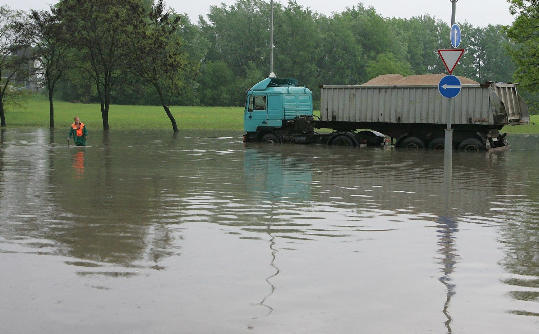 Potvyni� Vilniaus gatv�se pa�abojimui � 26 mln. Eur