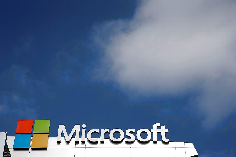 """Įsigijimų pagirios praėjo, """"Microsoft"""" išlipo iš nuostolių"""