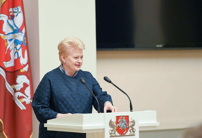 Prezidentė ragina ambasadorius ieškoti investicijų