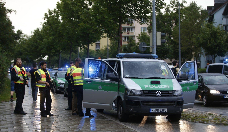 Išpuolis Miunchene nusinešė 9 gyvybes