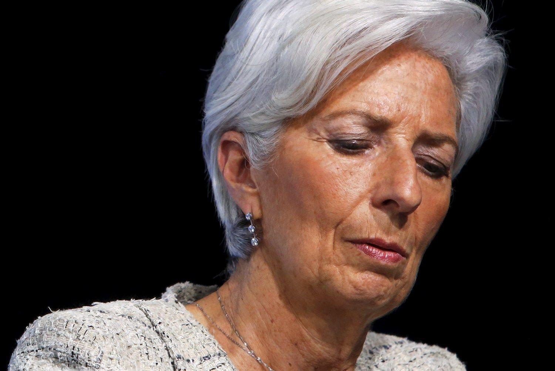 Lagarde stos prie� teism�
