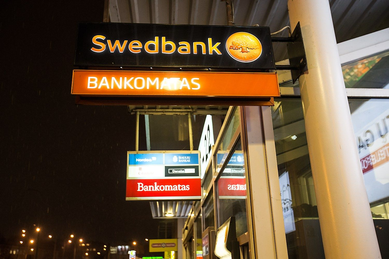 Bank� pelnai �gauna pagreit�