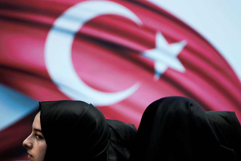 XX a. katastrofa: turkai padegė Smirną