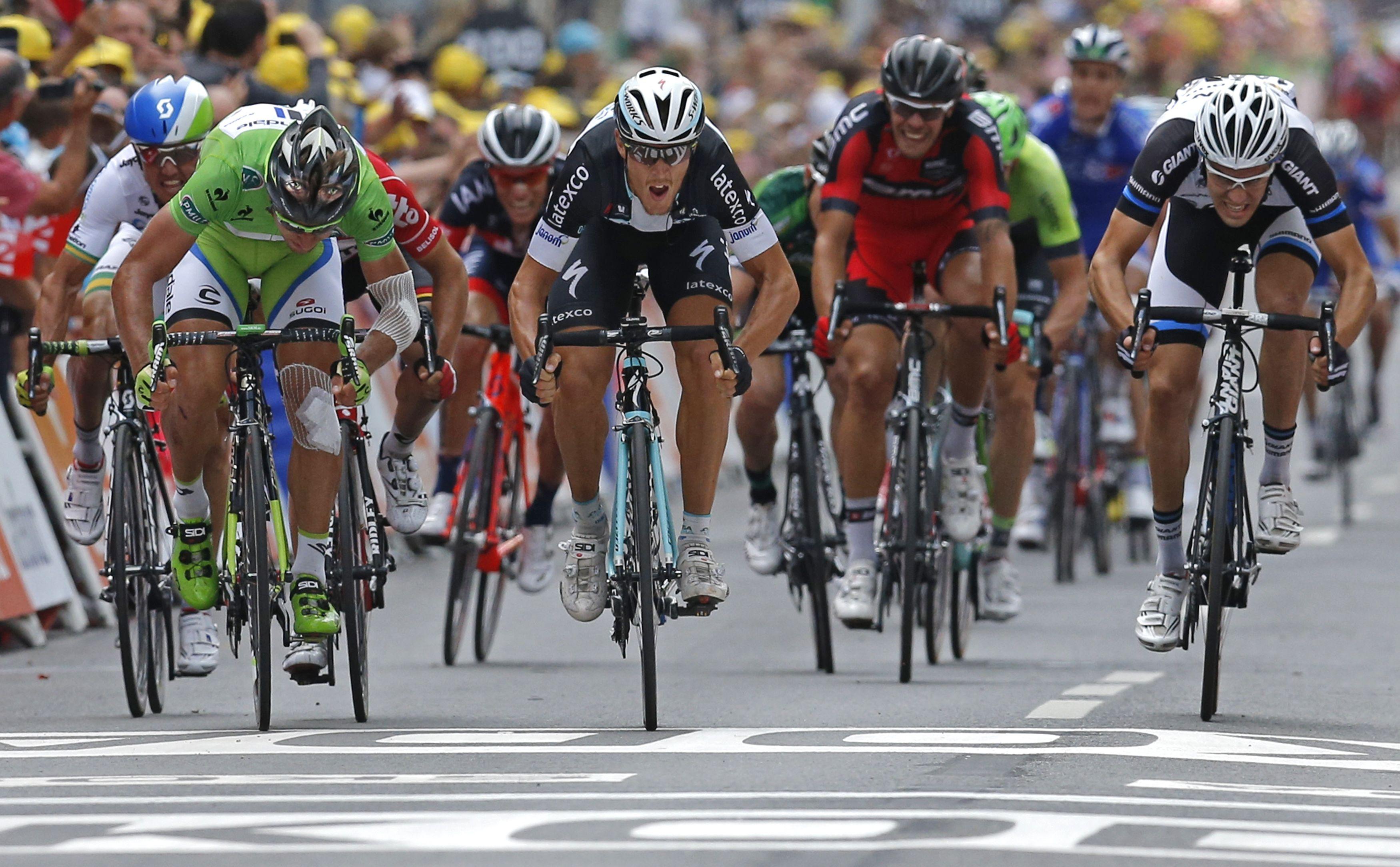 K� valgo �Tour de France� lenktyni� dalyviai