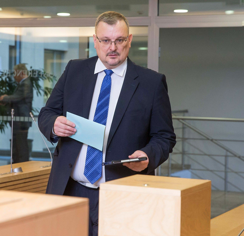 Darbo partij� � rinkimus ves ne Mazuronis, bet Dauk�ys