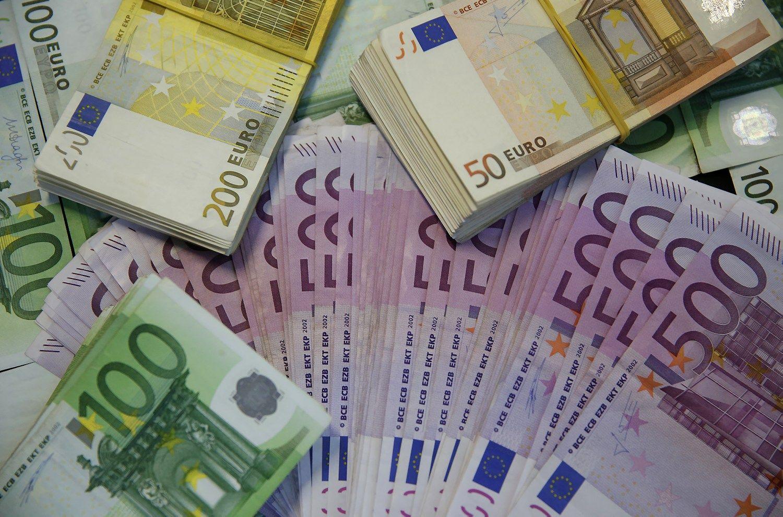 Lietuva pasiskolino dar 15 mln. Eur