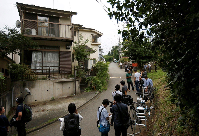 Slaugos nam� u�puolikas Japonijoje nusine�� 19 gyvybi�