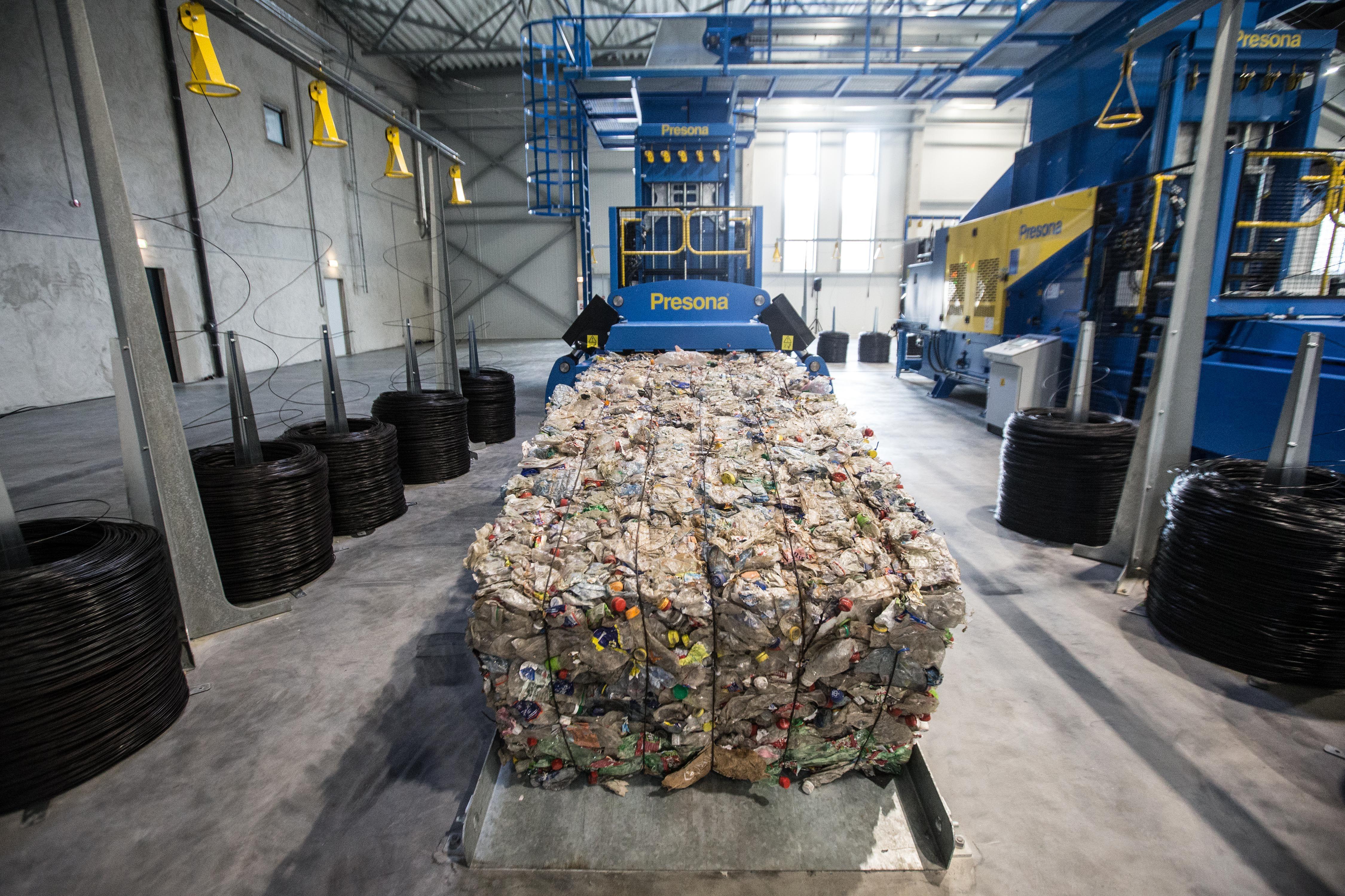 Progresas: perdirbt� atliek� �prira�yta� tik du kartus daugiau
