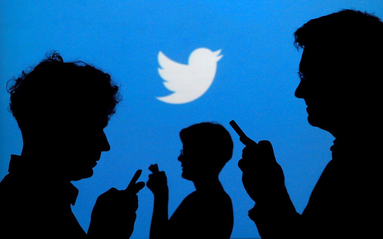 """""""Twitter"""" pajamos augo lėčiausiai nuo 2013 m."""