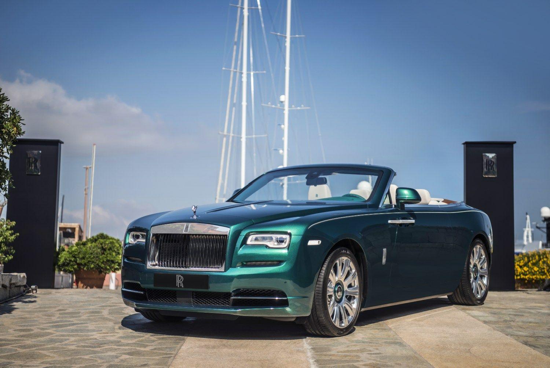 �Rolls-Royce� pasi�l� du modelius Smaragdin�s pakrant�s milijonieriams