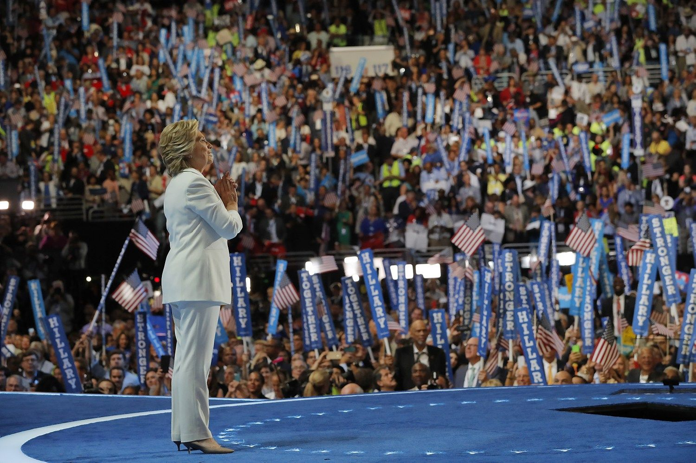 Hillary Clinton: mus bando suskaldyti