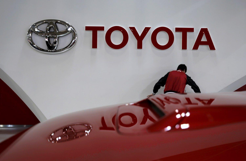 �Toyota� ma�ina pelno l�kes�ius �iems metams