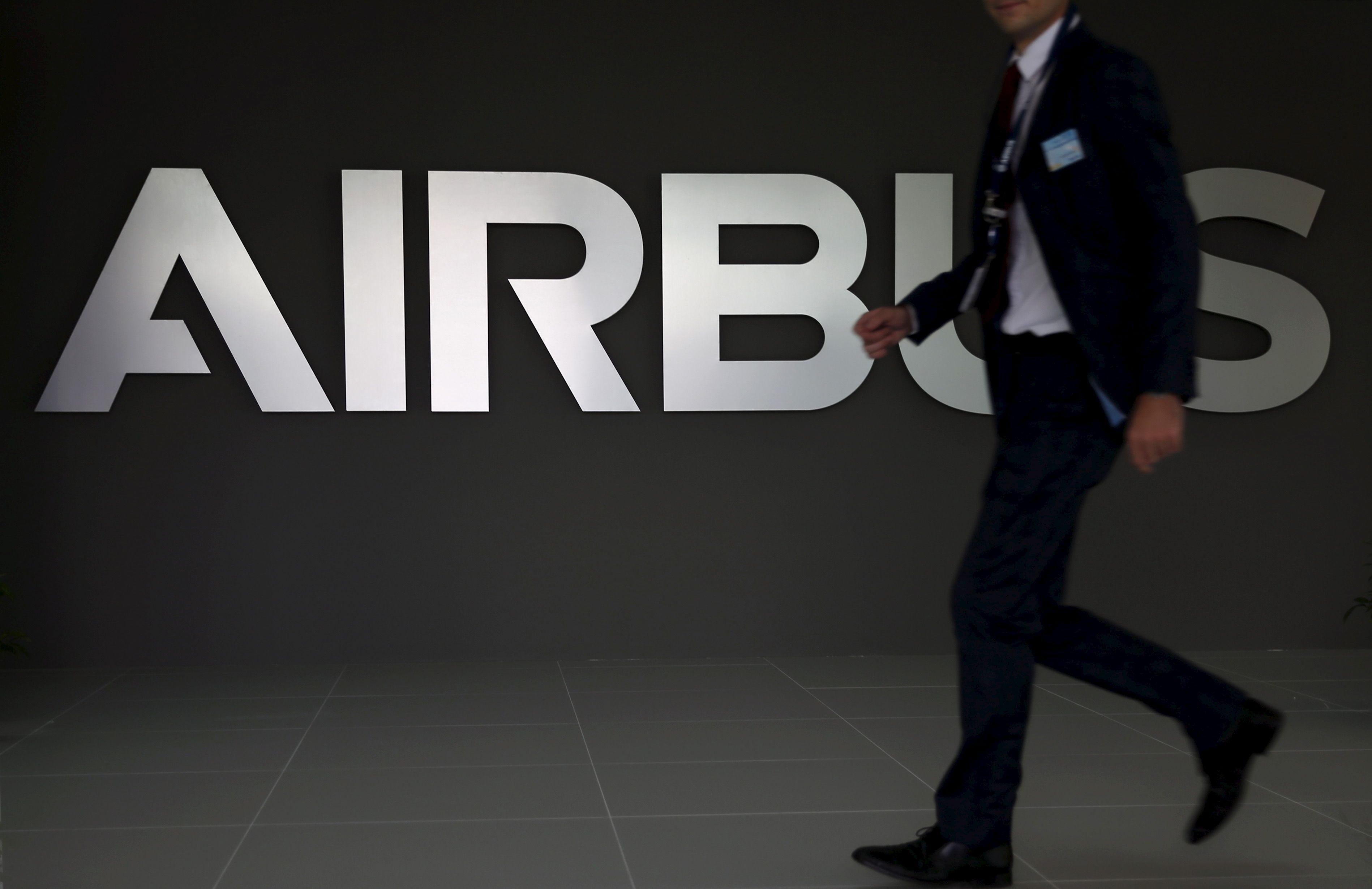 """""""Airbus"""" įklimpo į korupcijos skandalą"""