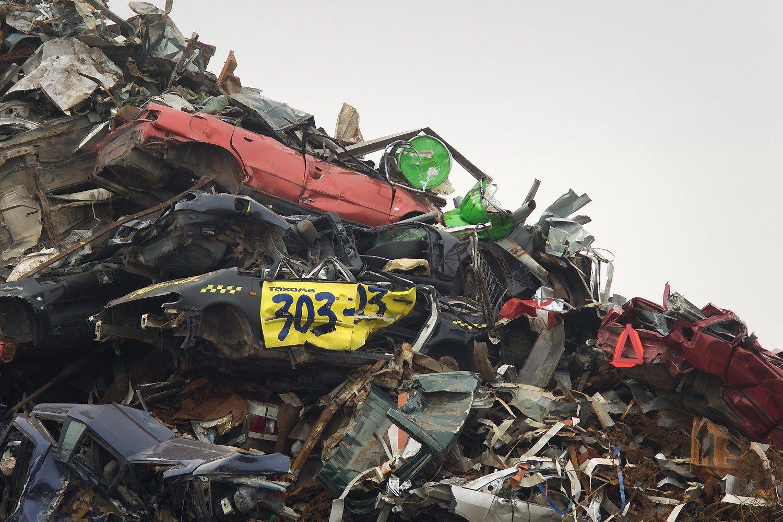 Ataskaitų apie veiklą neteikia 85% automobilių importuotojų