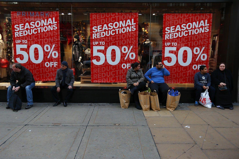 """Nepaisant """"Brexit"""", britai apsipirkinėjo daugiau"""