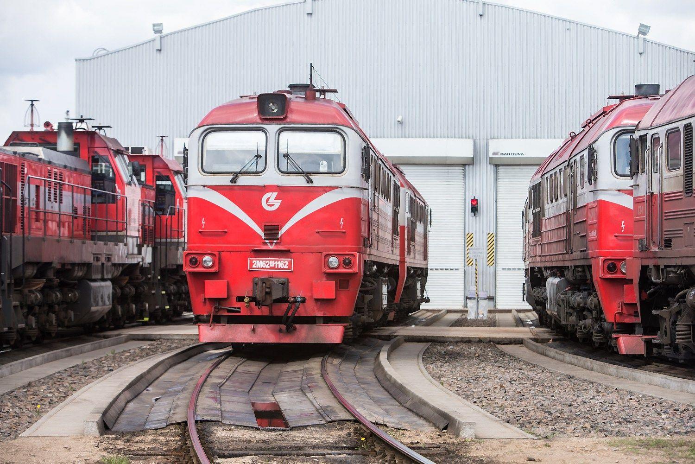 """""""Lietuvos geležinkeliai"""" pradeda vežti krovinius iš Lenkijos"""