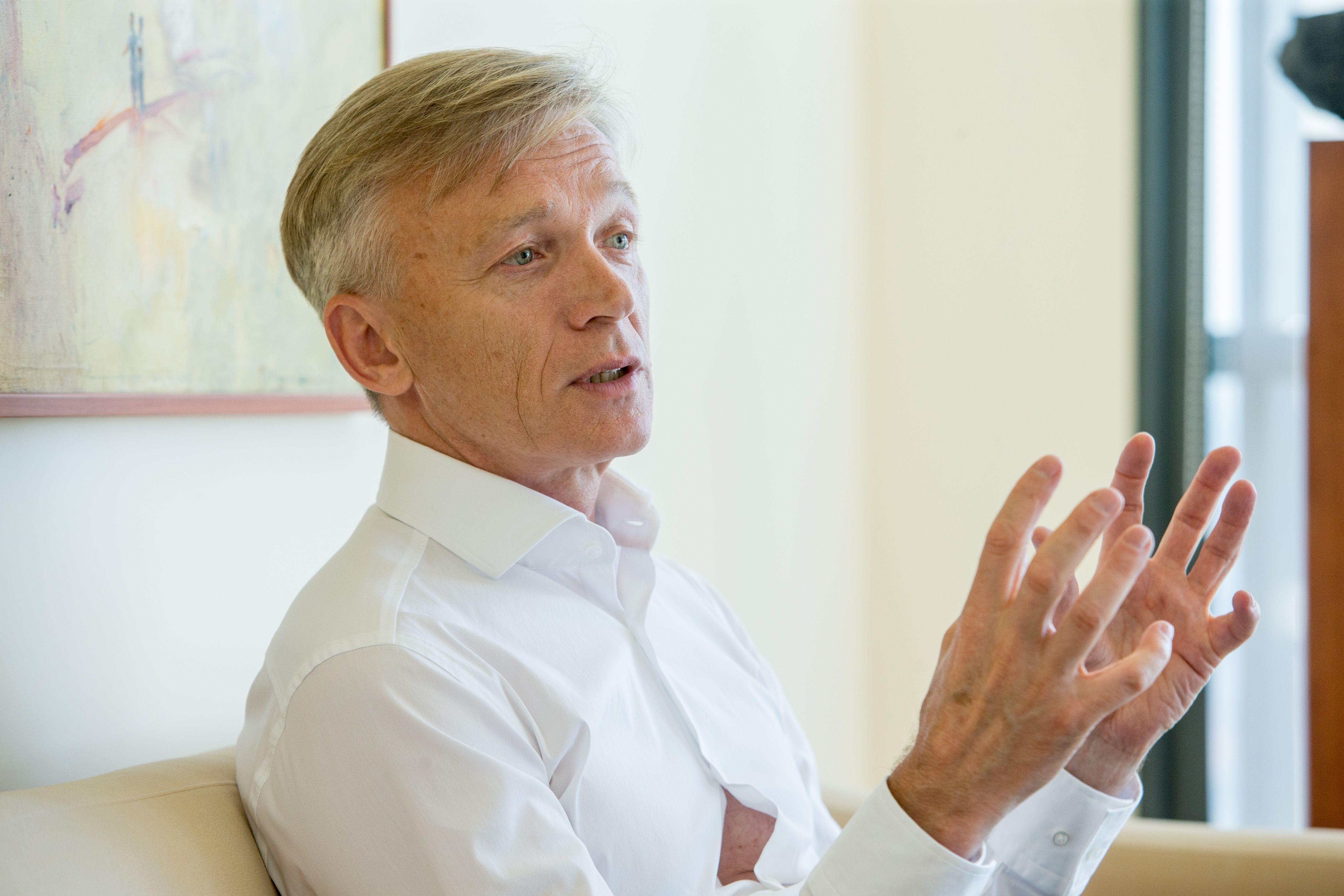 Avulis pertvarko verslą: bus ne tik NT plėtra, bet ir investicijų valdymas