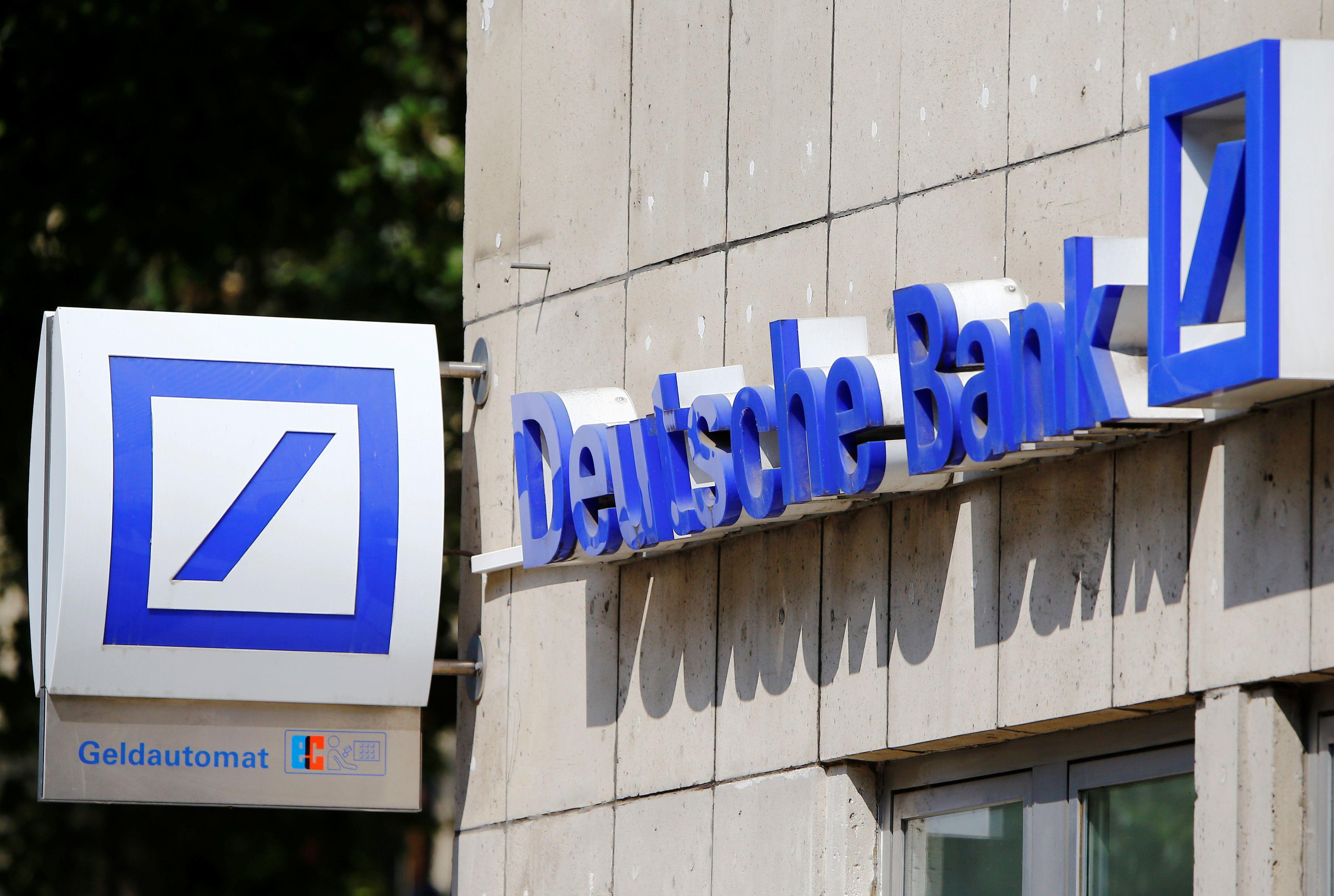 """""""Deutsche Bank"""" aferas išdavęs banko darbuotojas atsisakė milijoninės premijos"""