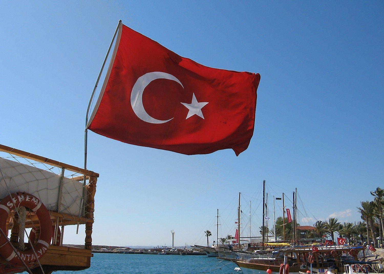 Vasarai baigiantis, Rusija leido u�sakomuosius skryd�ius � Turkij�