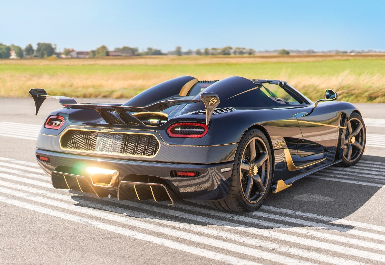 Unikalus �Koenigsegg�: automobilio vard� u�ra�� i� aukso ir deimant�