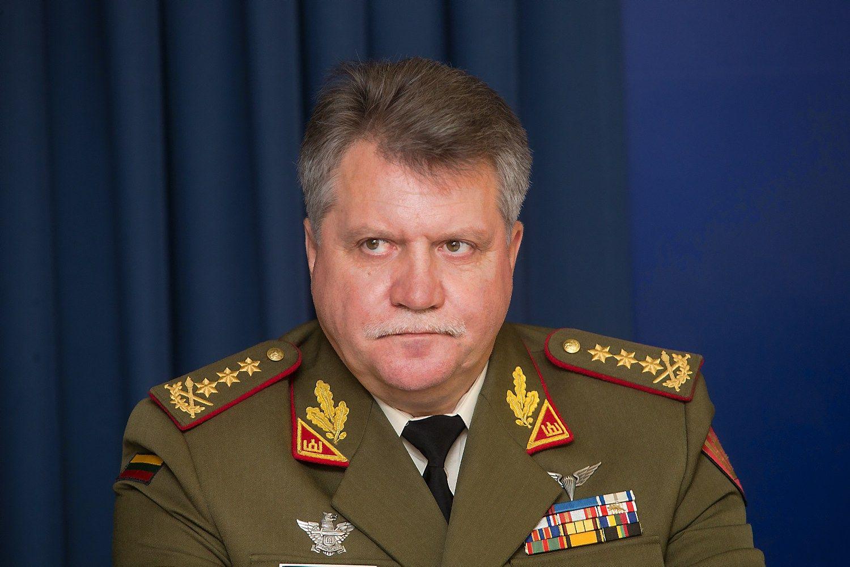Jonas Vytautas �ukas: pasitrauksiu, jeigu kils masin� panieka kariuomenei