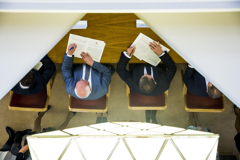 Seimo rinkimams artėjant – neįgyvendinamų ekonominiųpažadų kruša