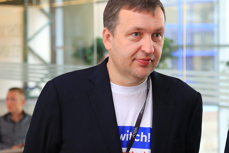 Antanas Guoga parduoda la�yb� versl�