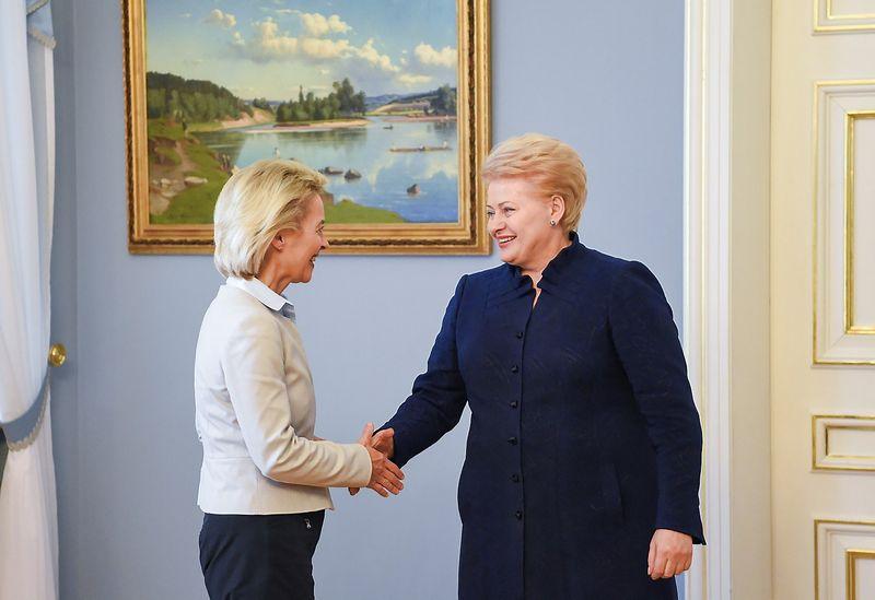 Vokietijos gynybos ministrė Ursula von del Leyen ir Lietuvos prezidentė Dalia Grybauskaitė. Prezidentūros nuotr.