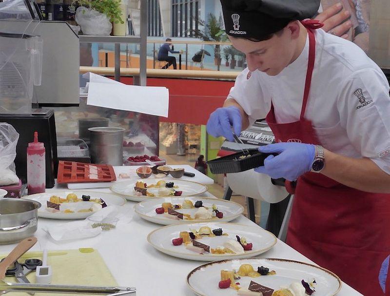 Erikas Janerikas pripažintas geriausiu Baltijos šalių jaunuoju virtuvės šefu. LRVVKA nuotr.