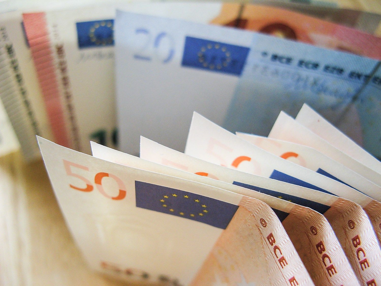 Lietuva pasiskolino 5 metams, investuotojai vėl sutiko primokėti
