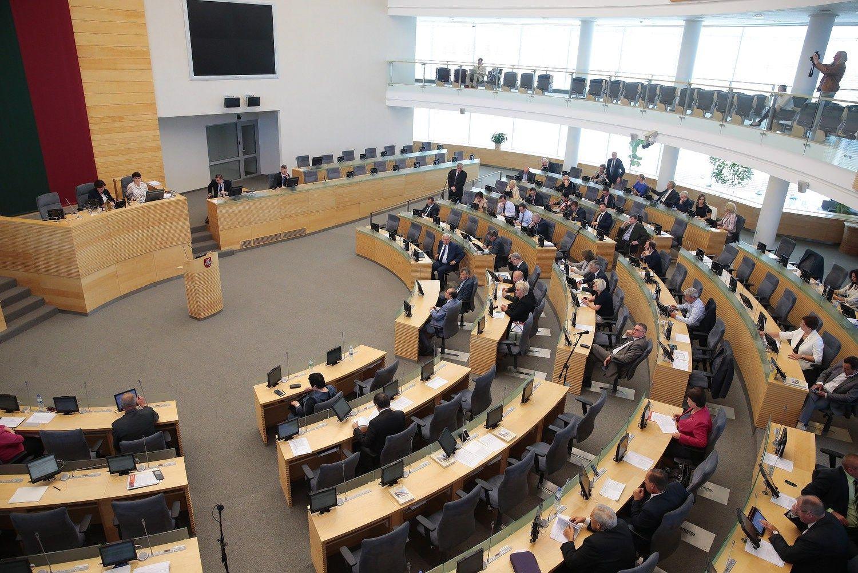 Seimaspriėmė prezidentės veto dėl pagalbinio apvaisinimo