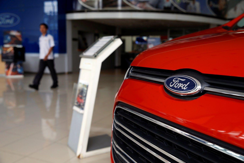 """""""Ford"""" dalį gamybos iš JAV kelia į Meksiką"""