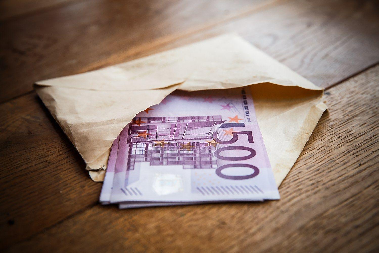 FNTT: Telšių statybos bendrovė vokeliuose išmokėjo 180.000 Eur algų