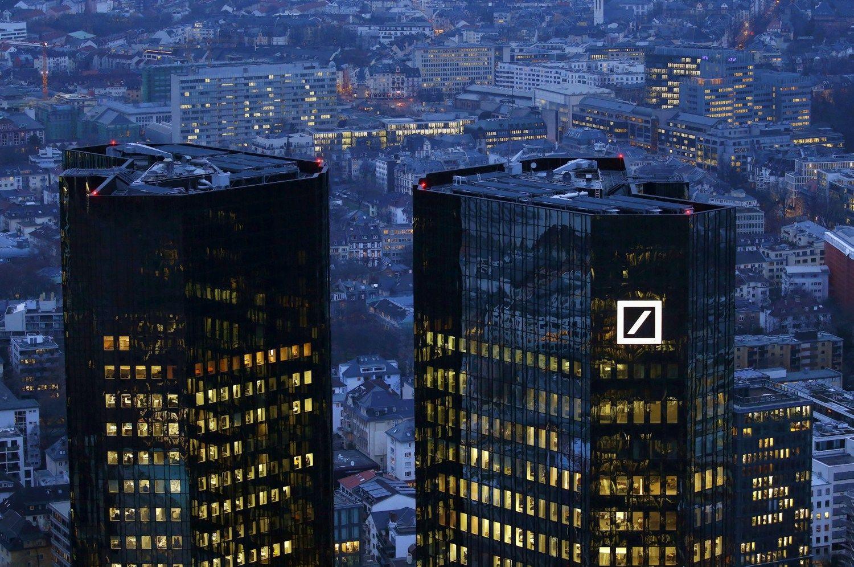 """JAV """"Deutsche Bank"""" pasiūlė susimokėti 14 mlrd. USD baudą"""