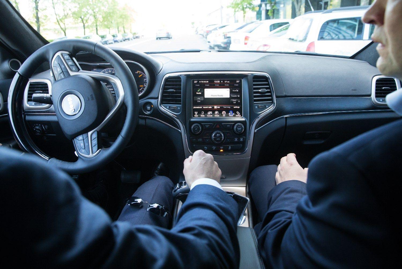 Vyriausybė sutiko, kad vairuotojams nereiktų vežiotis dokumentų
