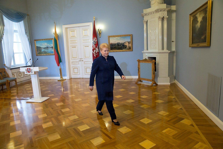 Grybauskaitė padėjo parašą po Darbo kodeksu