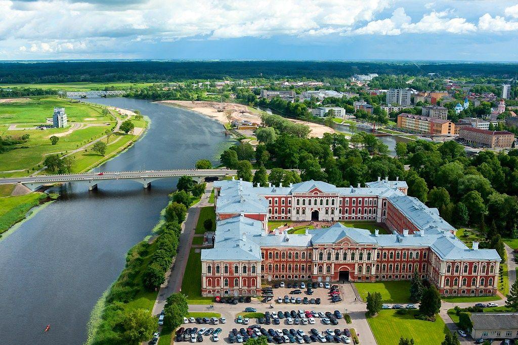PST Latvijoje laimėjo konkursą - rekonstruos Jelgavos rūmus