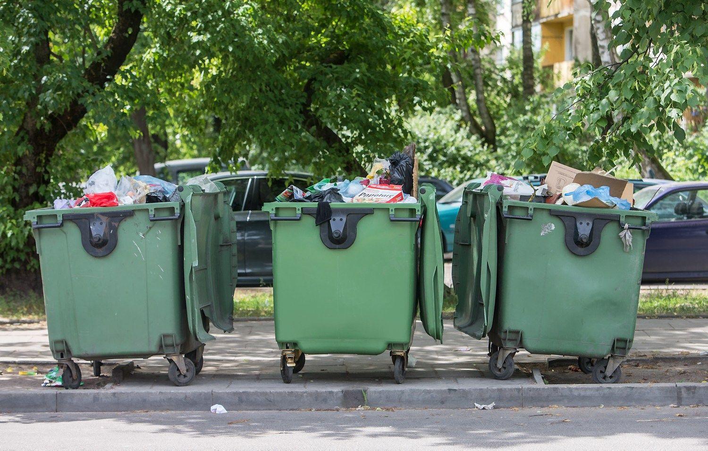 Trims atliekų tvarkymo įmonėms – įtarimai karteliu