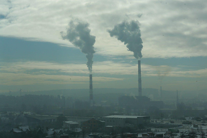 """""""Vilniaus energija"""" nepagrįstai į šilumos kainas įtraukė 24,3 mln. Eur"""