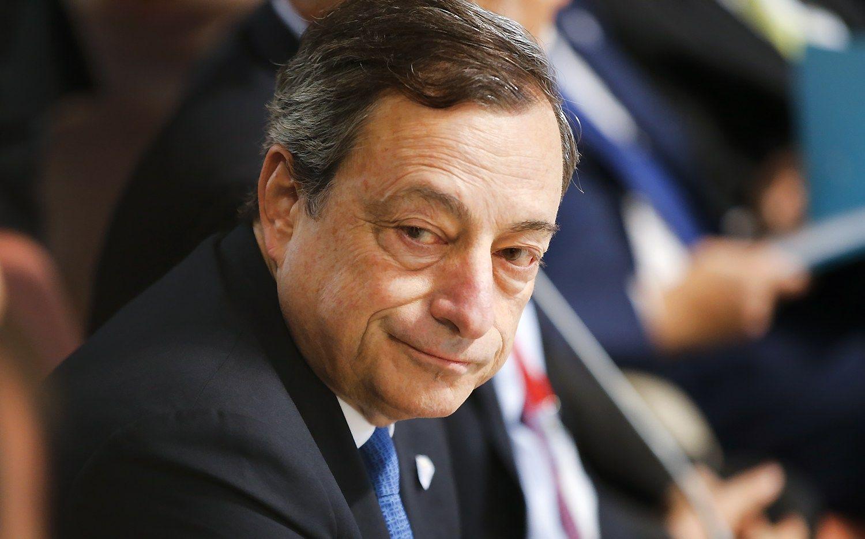 Draghi: Europoje per daug bank�