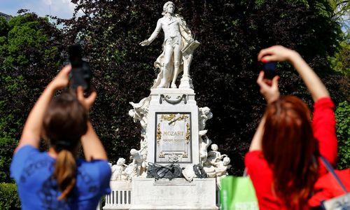 """""""Iliustruotoji istorija"""" : Mozartas – Vienos išsišokėlis"""
