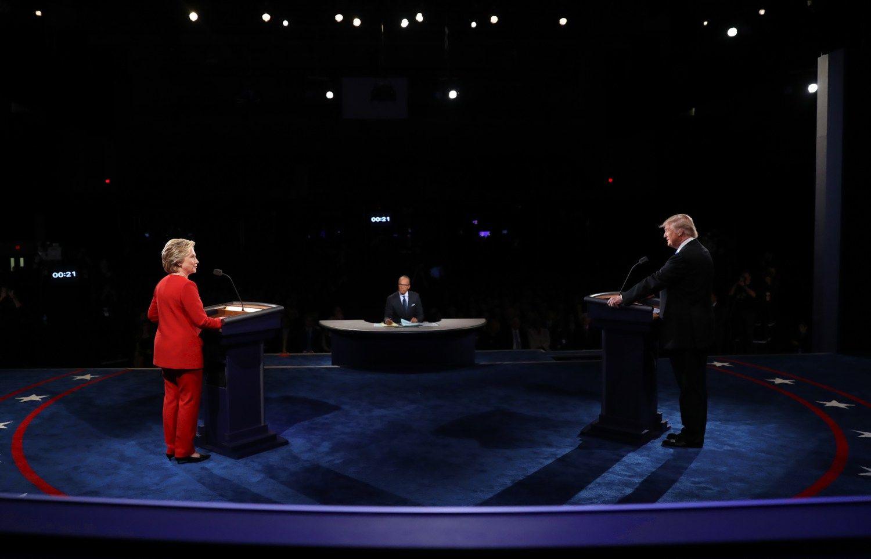 Pirmieji JAV rinkim� debatai: Trumpas buvo priverstas gintis