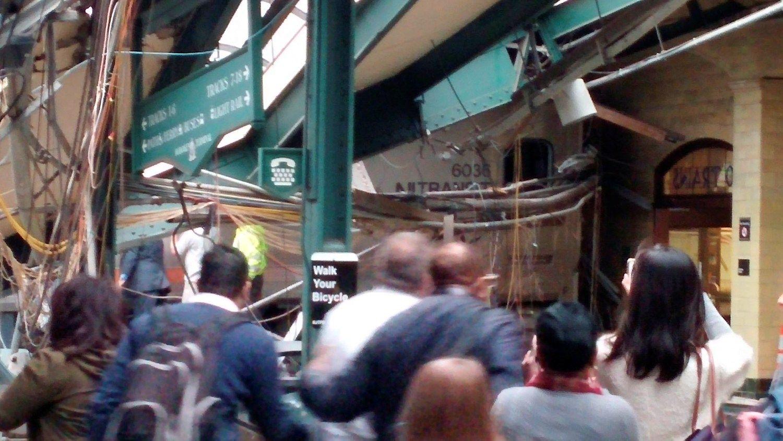 Šalia Niujorko – traukinio avarija, daugiau nei 100 sužeistų