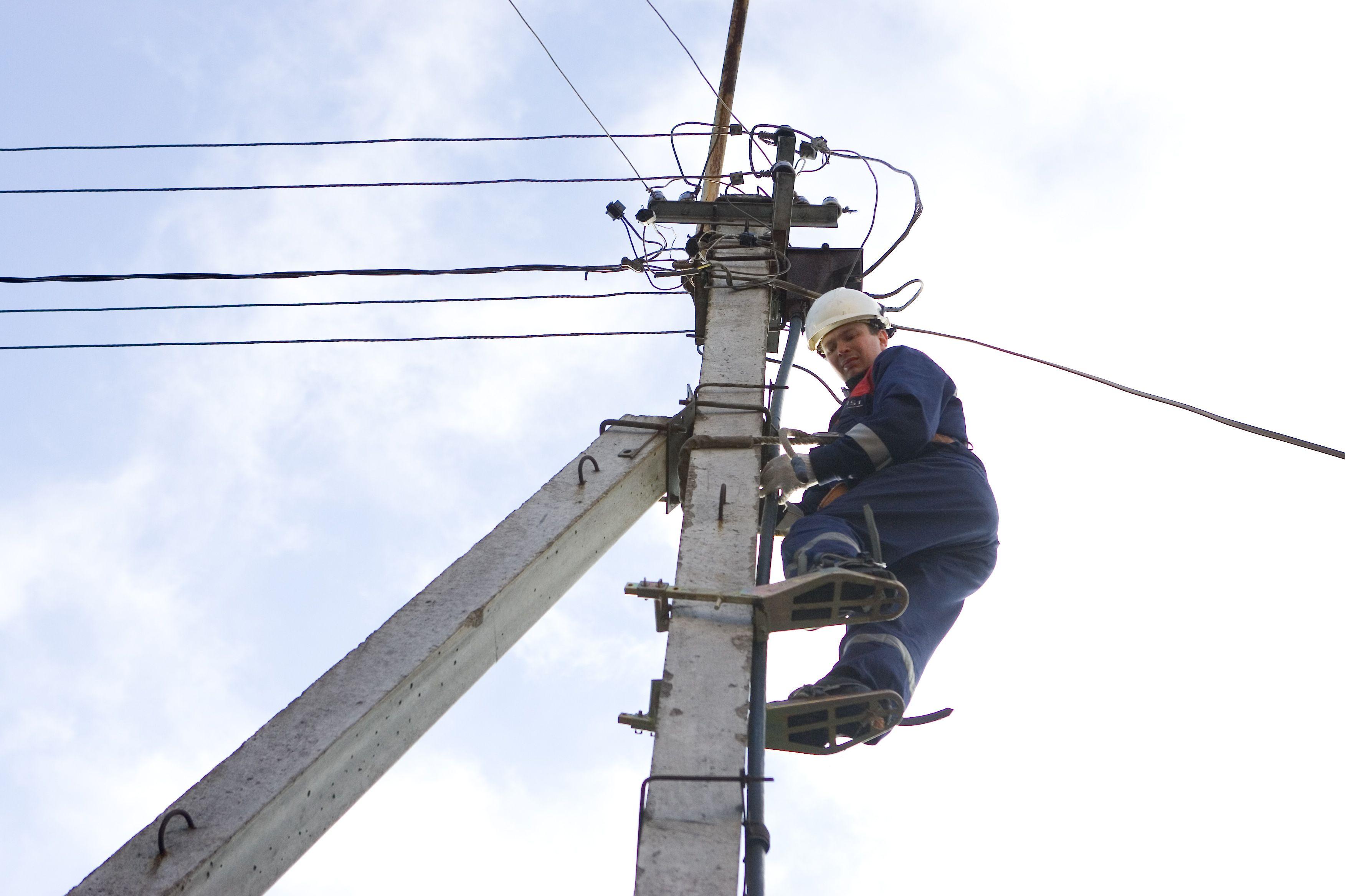 Konkurencija apkarto: si�lo privatizuoti valstybines elektros montavimo �mones