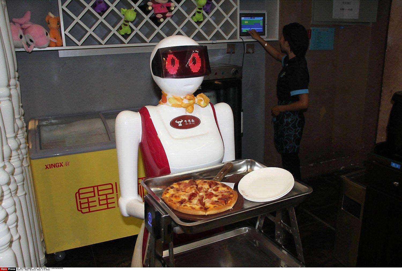 Technologijų milžinai kartu imasi spręsti dirbtinio intelekto klausimus