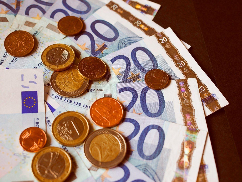 Lietuva pasiskolino 15 mln. Eur